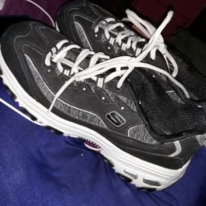 Sketchers low tops training shoes